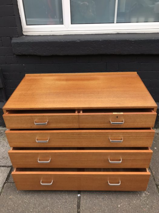 Vintage Mid Century Retro 5 Drawer Oak Chest of Drawers