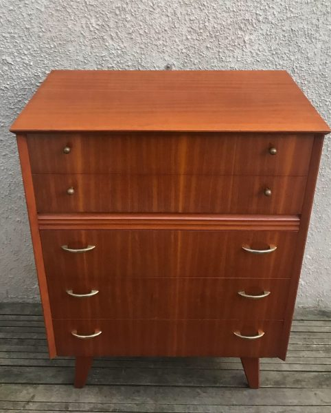 Vintage Chest of 5 Drawers / Tallboy with Splayed Legs