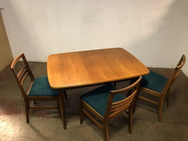 Vintage ELLIOT'S OF NEWBURY (EON) Extendable Dining Room Table