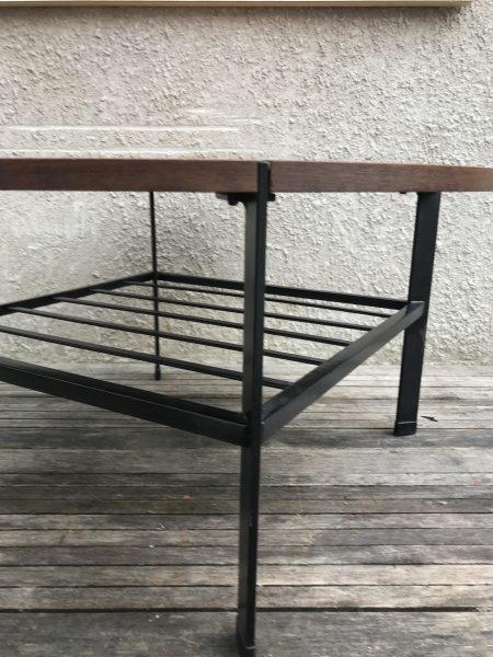 Round Vintage Retro Teak Coffee Table / Occasional Table with Ladder Magazine Rack