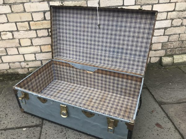 Large Vintage OVERPOND Trunk Chest Steamer Blanket Box or Coffee Table £50.00