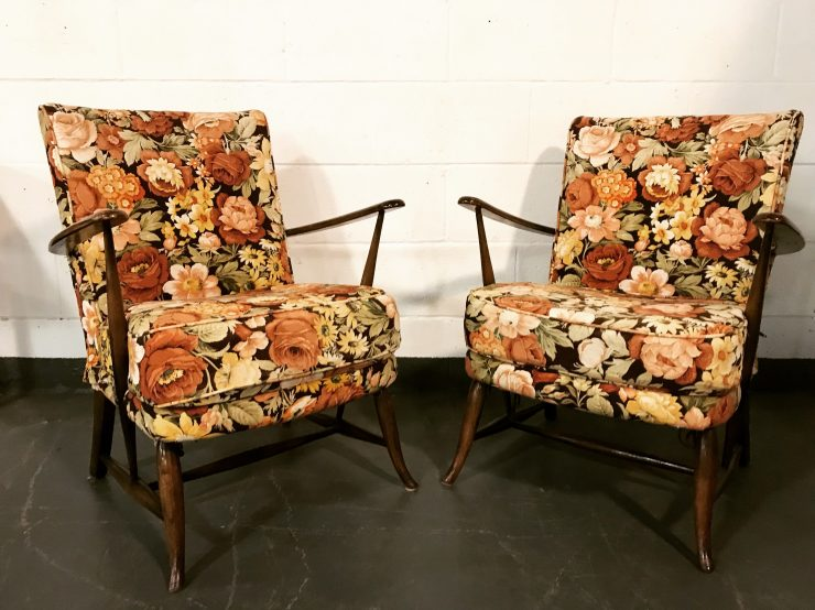Pair of Classic Mid Century Ercol Windsor Easy Chairs 219