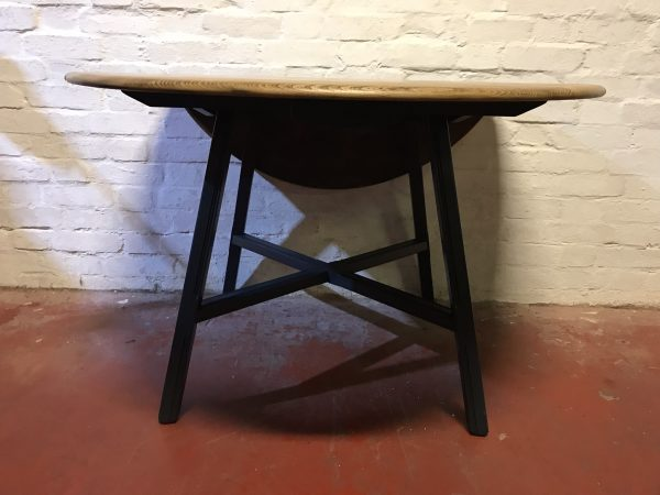 1980s Ercol Elm & Beech Windsor 377 Drop Leaf Dining Table