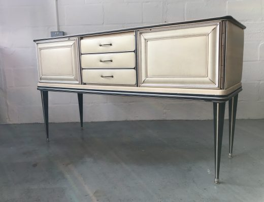 Mid Century 1950s Italian Sideboard/ Credenza by Umberto Mascagni