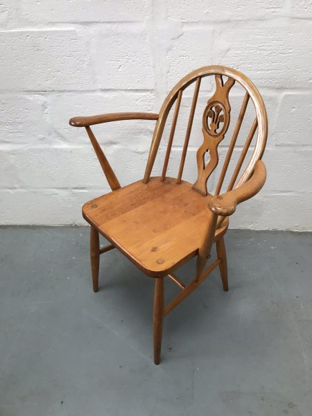 This chair is unrestored but in good vintage condition with tight joints and no wobble on a flat surface. The frame and seat show wear commensurate with its age, and the elm seats in particular have a lovely grain and patina. Please review photos - happy to answer any questions.