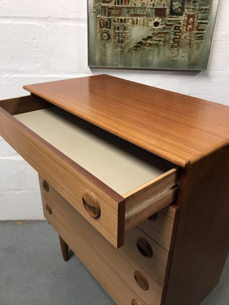 Vintage Chest of 5 Drawers by Schreiber