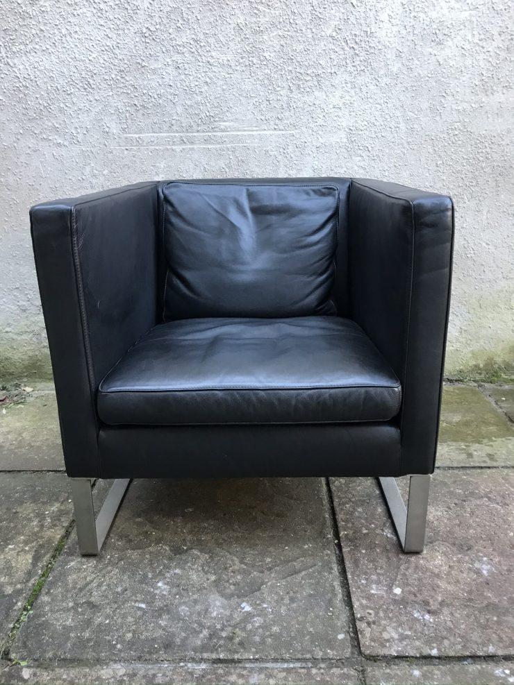 LargeContemporaryRetro Style Club Chair Black Leather