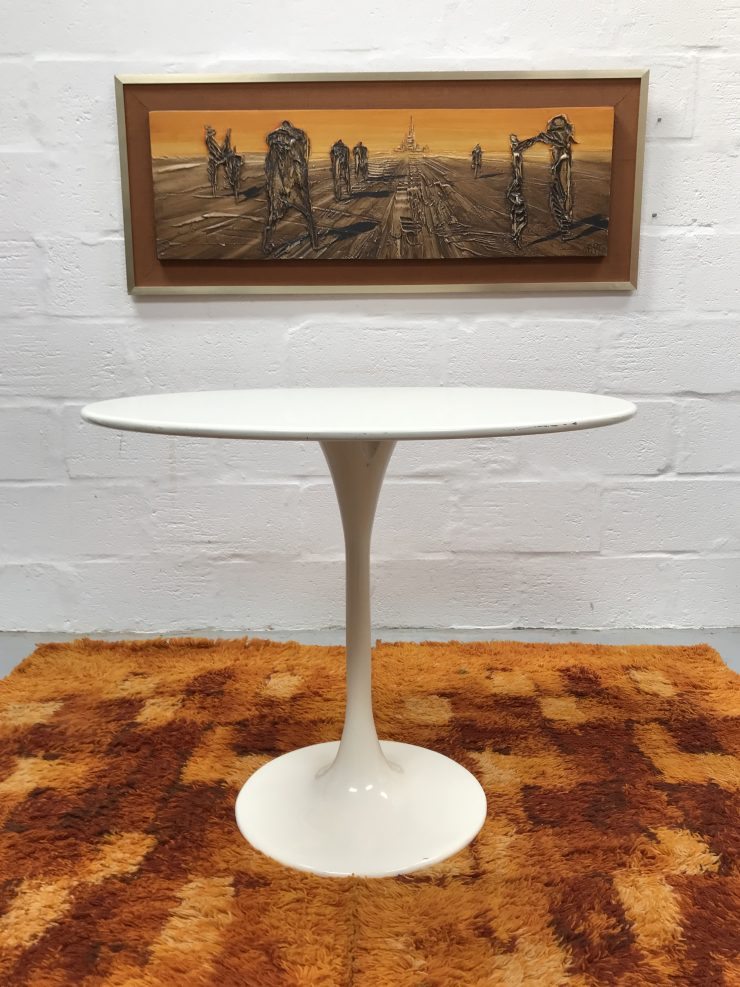 Classic Vintage 'Tulip' Style Dining Table